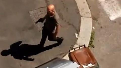 """Torino, gira per strada armato e minaccia: """"Ti ammazzo come i cani"""" – il Giornale"""